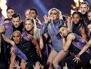 """""""Quẩy như lên đồng"""" ở Super Bowl, Lady Gaga lập kỷ lục với 6 đề cử Emmy 2017"""