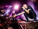 """Chester Bennington người """"thổi hồn"""" cho Linkin Park, chưa một ngày lãng quên trong trái tim người hâm mộ"""