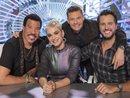 Vừa ngồi ghế giảm khảo, Katy Perry đã thổi bùng 'cuộc chiến' giữa American Idol và The Voice