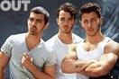 Nick Jonas úp mở chuyện Jonas Brothers tái hợp