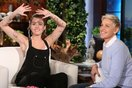 Chuyển động 24h US-UK: Miley Cyrus khoe nhẫn đính hôn với Liam Hemsworth
