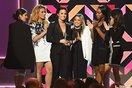 Lo sợ Fifth Harmony rã đám, Harmonizers van xin người quen giải cứu