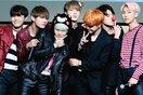 """Bất ngờ với màn flashmob ấn tượng """"Blood Sweat & Tears"""" của fan BTS làm bừng sáng cả một góc phố London"""
