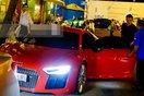 Cặp đôi Nhi - Thắng nổi bần bật trên phố với siêu xe 13 tỷ