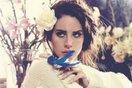 """Đóng cửa """"tự kỷ"""" cả ngày trời chỉ để nằm nghe """"Love"""" của Lana Del Rey"""