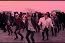 """Những loại súng nào được BTS thể hiện bằng vũ đạo trong """"Not Today""""?"""