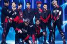 """Những khoảnh khắc hài hước của EXO khiến fan chỉ muốn """"đội quần"""""""