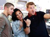 Đôi bạn thân 10 năm Nick Jonas và Demi Lovato trên Carpool Karaoke