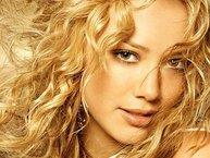 Hilary Duff cố gắng cân bằng gia đình và công việc