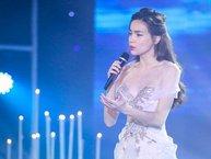 Hồ Ngọc Hà đẹp tựa nữ thần trên sân khấu