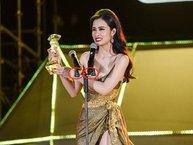 Sự thật việc Đông Nhi lộ ngực trên sân khấu Zing Music Awards