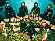 """Cư dân mạng phát cuồng với màn debut của Girlgroup """"ma quỷ - kinh dị"""""""