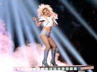 Đây là cách Lady Gaga đáp trả khi bị cười chê vòng 2 ngấn mỡ