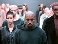 Kanye West bất ngờ ra mắt bản nhạc dài 17 phút trong show thời trang Yeezy Season 5