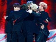 Ai còn nhớ hay đã quên: 12 khoảnh khắc chiến thắng lần đầu tiên đầy xúc động của idol Kpop