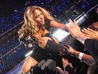 """Beyonce khiến fan """"mừng muốn khóc"""" khi biến ước mơ của cậu bé bị ung thư thành sự thật!"""