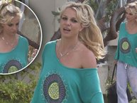 Britney Spears mặc đồ ngủ ra đường và câu chuyện mà chỉ phụ nữ mới thấu hiểu