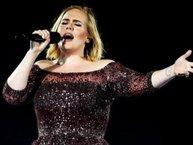 Adele ngừng diễn giữa chừng để tưởng niệm các nạn nhân vụ khủng bố ở quê nhà