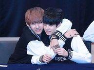 """Còn nghi ngờ gì nữa, Jungkook chính là """"bé con"""" luôn được V (BTS) yêu thương đây mà!"""