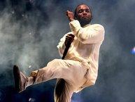 """""""Damn"""" của Kendrick Lamar hạ bệ Drake, trở thành album có doanh số lớn nhất trong tuần đầu ra mắt"""