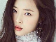"""Vogue Magazine: """"Có phải Sulli là nghệ sĩ Hàn Quốc xinh xắn đáng yêu nhất thế giới hay không?"""""""