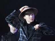 Sao Hàn đáng yêu thế nào khi đội trên đầu chiếc nón lá Việt Nam?
