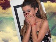 Quá sốc trước thương vong, Ariana Grande ngừng tour lưu diễn sau vụ nổ tại Anh