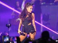"""Hậu thảm kịch, hit """"One Last Time"""" của Ariana Grande bất ngờ lên Top iTunes"""