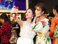 Đánh tan tin đồn xích mích, Bích Phương và Văn Mai Hương quấn quýt không rời trong hậu trường Vietnam Idol Kids