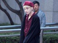 """V (BTS) có thói quen...""""mặc nhầm quần áo"""" của các thành viên trong nhóm?"""