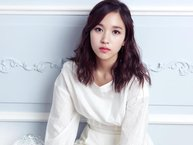 Mina (TWICE) - Nàng công chúa ngoài đời thực khiến fan mê mẩn
