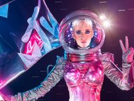 """Vị trí """"chủ xị"""" của MTV Video Music Awards 2017 đã thuộc về... Katy Perry"""