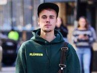 Fan lo lắng trước tin đồn Justin Bieber hủy world tour vì cuồng tín?