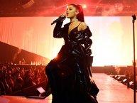 """Soi độ khó tính của """"nấm lùn"""" Ariana Grande khi lần đầu đến Việt Nam biểu diễn"""