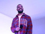 """Drake lần đầu bị """"đánh bật"""" khỏi Billboard Hot 100 sau 8 năm bùng nổ"""