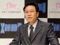 Những người đã rời bỏ SM Entertainment nói gì về Lee Soo Man?