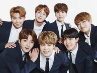 8 khoảnh khắc thần thánh chứng minh cho chân lý bất di bất dịch: Fan cuồng nhiệt nhất của BTS chính là BTS!