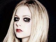 'Chị đại' Avril Lavigne đang rục rịch trở lại sau bốn năm ẩn danh?