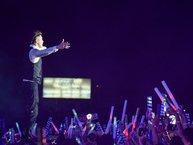 Đâu chỉ riêng idol Kpop, sao Việt cũng từng 'nổ tung trời' với liveshow nghìn fan