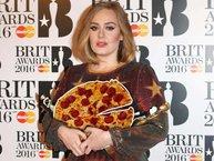 """Những mẩu chuyện nhỏ xíu nhưng đủ cho bạn thấy, Adele là sao nữ """"bình dân"""" nhất"""
