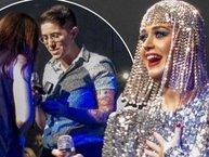 Katy Perry hóa 'bà mối', giúp fan cầu hôn bạn gái ngay trên sân khấu