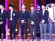 Top 10 sân khấu kết hợp đỉnh cao nhất giữa người hâm mộ và thần tượng Kpop trên Fantastic Duo