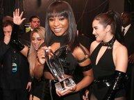 Thêm một thành viên ký hợp đồng solo, girlband Fifth Harmony đứng trước nguy cơ tan rã