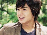 Mất sạch hình tượng sau scandal nhưng Kim Hyun Joong vẫn 'cố đấm ăn xôi' ấn định ngày comeback