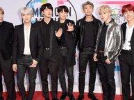 Hậu AMAs 2017, Jimin (BTS) gây sốt mạng xã hội với cụm từ 'chàng trai tóc vàng mặc áo khoác bạc'