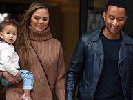 Từng lo sợ bị hiếm muộn, vợ chồng John Legend báo tin vui sắp có con thứ hai