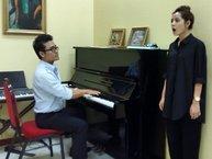 Thầy dạy thanh nhạc nói gì sau 2 clip Chi Pu hát live 'thảm họa'