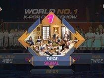 """M!Countdown: TWICE đánh bại Seventeen giành chiến thắng thứ 7 cho """"Signal"""""""