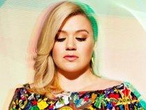 Kelly Clarkson gây bất ngờ khi giúp fan cầu hôn