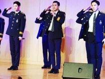 Ngắm Changmin (DBSK) và Siwon (Super Junior) điển trai biểu diễn các ca khúc hit trong bộ đồng phục cảnh sát